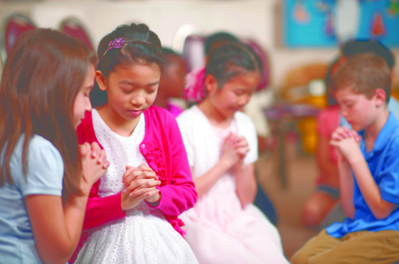 Why We Should Pray With Our Children From an Early Age