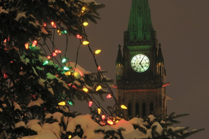 1200px-Peace_tower_at_Christmas_2
